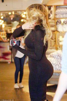 Kendall Jenner, Khloe Kardashian and Kris go furniture shopping on KUWTK 60 Fashion, Fashion Tights, Black Girl Fashion, Khloe Kardashian Style, Kardashian Jenner, Kendall Jenner, Girl With Curves, Voluptuous Women, Beautiful Girl Image