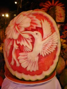 watermelon art 21 Thanks Donna, you got me hooked. Fruit Sculptures, Food Sculpture, Watermelon Art, Watermelon Carving, Watermelon Animals, Carved Watermelon, Edible Food, Edible Art, Fruits Decoration