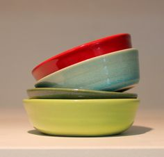 Olive dishes by Ana Couper. Cauliflower, Household, Artisan, Pottery, Ceramics, Dishes, Simple, Tableware, Ceramica