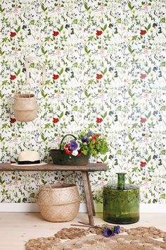 Style with top-quality wallpaper. You'll find a wide range of popular and modern wallpaper. Decor, Wallpaper Stencil, Living Room Lounge, Wallpaper, Interior Deisgn, Living Room Decor, Modern Wallpaper, Floral Wallpaper, Living Decor