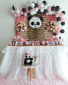 Fofurômetro explodindo 😍 #festapanda #pandarosa #chadebebe #chadefraldas #chadebebelindo #chademenina #festademenina #maniadedecorar… Panda Themed Party, Panda Party, Panda Birthday Cake, Baby Birthday, 30th Birthday Party Themes, Birthday Decorations, Panda Baby Showers, Panda Decorations, Panda Nursery