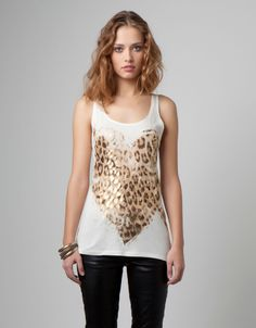 Animal print T-shirt, Bershka.