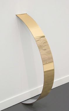 Virginia Overton, Untitled (gold), 2013 (Mirrored acrylic)