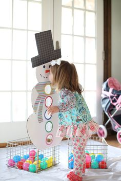 Snowman Ball Sort- my toddler would love this, and we already have ballpitt balls like that!
