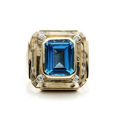 Cava ring from @kararossny in #rockcrystal with #blue #topaz front - £1,999 #KaraRoss #style #jewelry