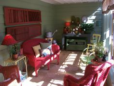 sunny screened in porch, I love to spend mornings out in our porch...located just off the kitchen, its a great place to relax and enjoy a dr...
