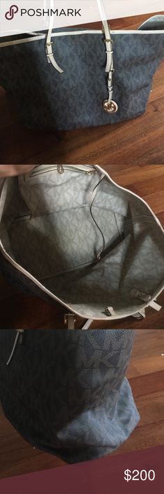 Michael Kors handbag Authentic handbag in good condition handles are alittle worn. Michael Kors Bags Shoulder Bags