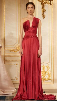 A surprising number of Arab designers now show at Paris Haute Couture Week, and their impact at the Fall 2017 Couture shows was tremendous. Rami Al Ali, Couture Week, Evening Dresses, Prom Dresses, Formal Dresses, Couture Dresses, Fashion Dresses, Modesty Fashion, Collection Couture