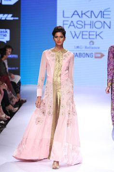 Narendra Kumar at Lakmé Fashion Week Winter/Festive 2015 Vogue Editorial, Editorial Fashion, Editorial Photography, Fashion Photography, Brazil Fashion, Vogue Brazil, Vogue India, Lakme Fashion Week, Desi