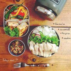 さぁ、お気に入りのお弁当箱に彩キレイな丼べんとう、麺べんとうを持って、今日も一日がんばりましょう~♪