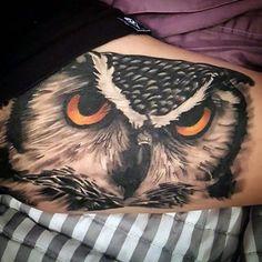 Bicep Men's Fallen Owl Tattoo