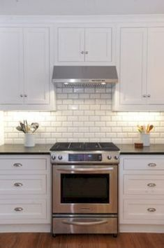 awesome 70+ Classy White Subway tile Inspiration to Decorate your Kitchen https://wartaku.net/2017/05/11/classy-white-subway-tile-inspiration-decorate-kitchen/