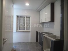 Apartamento  T2 / Amadora, Bairro do  Bosque Bathroom Lighting, Mirror, Furniture, Home Decor, Woods, Homes, Bathroom Light Fittings, Home Furnishings, Home Interior Design