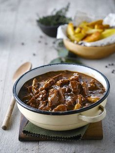 South African Beef Curry Recipe South African Beef Curry Recipe<br> Perfect South African Apricot Beef Curry Recipe South African beef curry recipe is a South African food recipe to share around the world while learnin… Curry Recipes, Meat Recipes, Indian Food Recipes, Slow Cooker Recipes, Cooking Recipes, Oven Recipes, Recipies, Banting Recipes, Delicious Recipes