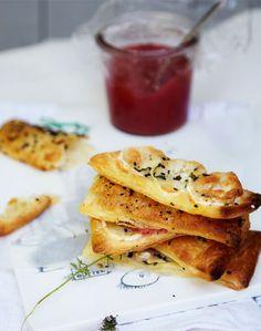 http://www.boligliv.dk/mad/nem-hverdag/sprod-snack-med-rabarber-chili-gele/
