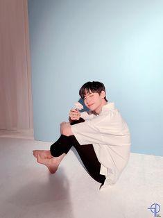 lee jinhyuk fanmeeting photoshoot behind the scene 😍😍😍 Lee Jin, What U Want, Korean Boy Bands, Kpop Boy, Kpop Groups, Michael Jackson, Rapper, Husband, Singer
