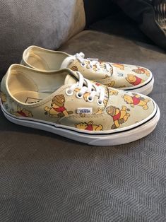 Anziehsachen Disney Pooh vans size 6 no box WeddingTrix: The Affiliate Honeymoon One of the most rob Disney Painted Shoes, Custom Painted Shoes, Painted Vans, Custom Shoes, Painted Sneakers, Disney Tees, Vans Disney, Disney Apparel, Disney Land