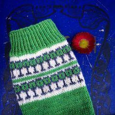 I just love both the pattern and the yarn! And soon I will have a pair of #furuviksockor Jag älskar både garnet och mönstret! Och snart har jag ett par gröna #furuviksockor i @tantkofta s garn stickade efter @eddysinstagram s mönster inspirerat av favoritporslinet från Gefle. #kammeborniasocks15 #kammebornia #stickasockor #stickasockavarjedag #sticka #stickning #knitlove #knitting #knitoholic #knitstagram #knittersofinstagram