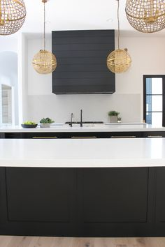 Gold light fixtures and Hardware - I think it's here to stay for quite some time, especially when balanced with elements like our rustic natural white oak floors. There again, mix elements…glam with natural. Bold with subtle. With ceilings statement White Oak Kitchen, Black Kitchens, Luxury Kitchens, Cool Kitchens, Rustic Kitchen Lighting, Kitchen Lighting Fixtures, Light Fixtures, Bathroom Lighting, Best Kitchen Designs