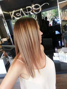 some Khloe Kardashian typa colour, done by Rian on Natasha Thorp Salon Pictures, Khloe Kardashian, Salons, Colour, Long Hair Styles, Beauty, Color, Lounges, Long Hairstyle