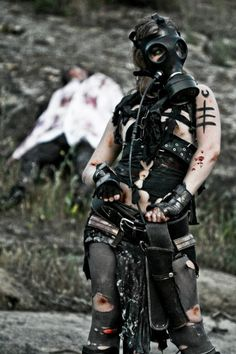 All things Apocalyptic - I don't own any pictures or art unless I say so in the description. Post Apocalyptic Costume, Post Apocalyptic Art, Post Apocalyptic Fashion, Apocalypse Fashion, Apocalypse World, Post Apocalypse, Mad Max, Cyberpunk, Gas Mask Art