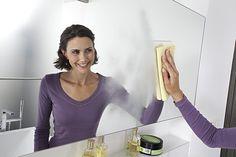 Így lesz hófehér a fürdőkád és ragyogóan tiszta a fürdőszoba villámgyorsan! - Bidista.com - A TippLista! Hair Styles, Tops, Cleaning Tips, Youtube, Fashion, Useful Life Hacks, Hair Plait Styles, Fashion Styles, Hair Makeup