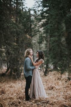Romantic engagement style inspiration | Image by Blush Photography
