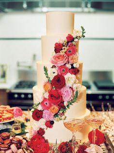 wedding cake idea; featured photographer: Michelle Boyd Photography