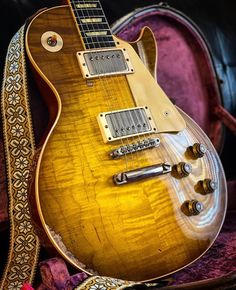 Incredible Gibson Les Paul R9 from @tatematsurifuji #gibsunday #gibson #lespaul #gibsonlespaul #lespaul #lespaulr9 #guitar #studio33guitar Gibson Les Paul Faded, Gibson Les Paul Sunburst, 1959 Gibson Les Paul, Gibson Lp, Gibson Les Paul Studio, Gibson Guitars, Fender Guitars, Used Guitars, Les Paul Guitars