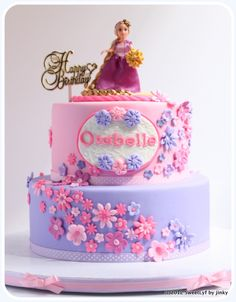 Madz requested Rapunzel cake for her dear daughter, Orabelle. She turned 1 last Oct but the celebration party was last Sunday, Oct. She likes the pink and purple colo. Bolo Rapunzel, Rapunzel Birthday Cake, Birthday Cake Girls, Birthday Parties, Rapunzel Cake Ideas, 4th Birthday, Birthday Cakes, Birthday Ideas, Cute Cakes