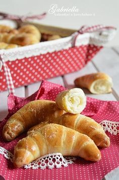 Gabriella kalandjai a konyhában :): Sörkifli Hungarian Desserts, Bread Dough Recipe, Pretzel Bites, Cake Cookies, Hot Dog Buns, Apple Pie, Waffles, French Toast, Food Photography