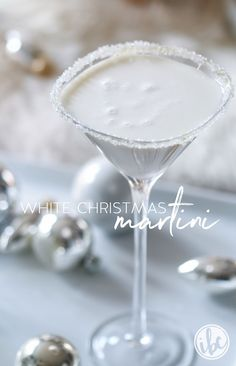 White Christmas Martini from @inspiredbycharm