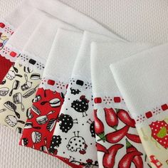 Kitchen Towels Crafts, Towel Crafts, Dish Towels, Tea Towels, Fun Crafts, Diy And Crafts, Kitchen Kit, Mug Rugs, New Years Eve Party