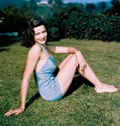 1940s Gene Dolls | It's all make believe, isn't it? vintag, bath beauti, gene tierney, hollywood bath, movi star, tierney 19201991, actress gene, pin up girls, actresses