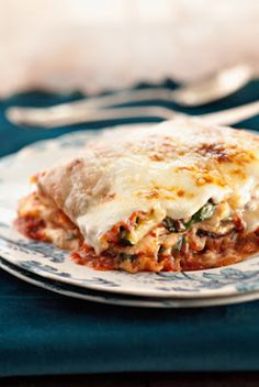 The Deen Bros Five-Veggie, Four-Cheese Lasagna This chock-full lasagna satisfies vegetarians and is hearty enough to satisfy meat-and-potatoes types. We like to keep this dish on hand in the freezer; well wrapped it will keep for up to four months. Four Cheese Lasagna Recipe, Lasagna Recipes, Lasagna Recipe Paula Deen, Pasta Recipes, Great Recipes, Dinner Recipes, Favorite Recipes, Dinner Ideas, Drink Recipes