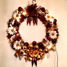 There is something really special about oversized decorations. Christmas wreath 80x80