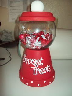 Clay pot and glass bowl gumball machine - cute and easy