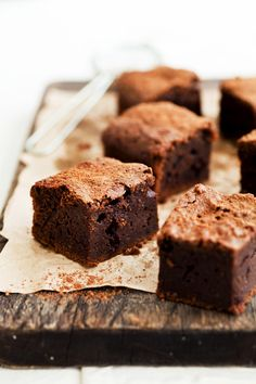 Donna Hay's Classic Brownies - I'm a sucker for chocolate! Just Desserts, Delicious Desserts, Dessert Recipes, Yummy Food, Cupcakes, Cupcake Cakes, Slow Cooker Desserts, Think Food, Love Food