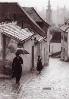 Muita chuva em Budapeste de 1908. Fotografia: Ivan Vydareny.