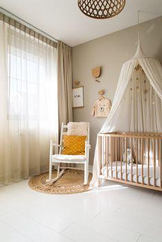 Gordijnen in de kinderkamer of slaapkamer zijn echte sfeermakers. In deze blog geef ik tips hoe je de juiste kleur gordijnen kunt kiezen. Baby Bedroom, Nursery Room, Kids Bedroom, Baby Room Themes, Baby Room Decor, Home Decoracion, Baby Room Design, Woodland Nursery Decor, Nursery Inspiration