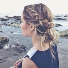 A simple updo that looks like it would have taken a lot of time when it only takes a couple minutes!