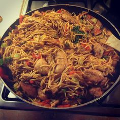 slimming world - homemade chicken chow mein....I will be replacing the chicken with lean / extra lean beef!