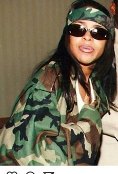 See other great ideas about Hip hop styles, Streetwear and Hip hop Trend. See other great ideas about Hip hop styles, Streetwear and Hip hop Trend. Aaliyah Costume, Aaliyah Outfits, Aaliyah Style, Hipster Outfits, Hip Hop Outfits, 2000s Fashion Trends, Early 2000s Fashion, Hip Hop Fashion, 90s Fashion