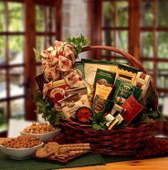 The Sweets and Treats gift basket is available in four sizes, which makes this the ideal gift for any event, no matter how big or how small. This basket abounds in foods, both sweet and savory, to tem