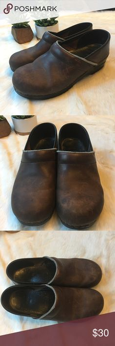 Dansko brown leather clogs - size 41 Classic Dansko Clogs! Have some signs of general wear but tons of life left - these babies last forever. Euro size 41. Dansko Shoes Mules & Clogs