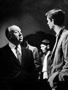 "Alfred Hitchcock and Anthony Perkins on the set of suspense horror film ""Psycho"", released in 1960 Alfred Hitchcock, Hitchcock Film, Old Hollywood, Viejo Hollywood, Classic Hollywood, Anthony Perkins, Actrices Blondes, I Movie, Movie Stars"