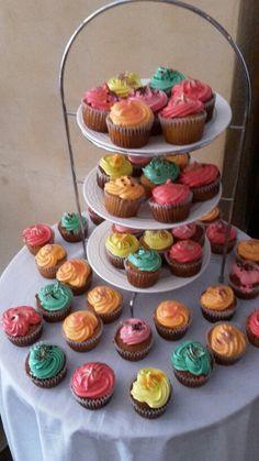 Cupcakes  de colores♡♡♡☆☆