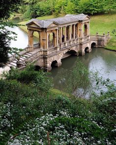 The Palladian Bridge Wilton Estate gardens England (by Saffron Blaze). The Palladian Bridge Wilton Estate gardens England (by Saffron Blaze). Oh The Places You'll Go, Places To Travel, Places To Visit, Travel Destinations, Travel Europe, Usa Travel, English Countryside, Covered Bridges, Monuments