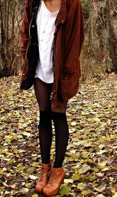 tights and booties Hipster Outfits, Mode Outfits, Hipster Ideas, Fall Winter Outfits, Autumn Winter Fashion, Autumn Style, Spring Style, Summer Outfits, Perfect Outfit