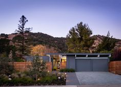 This is it, this IS my dream house! Eichler in Marinwood by Building Lab, Inc.